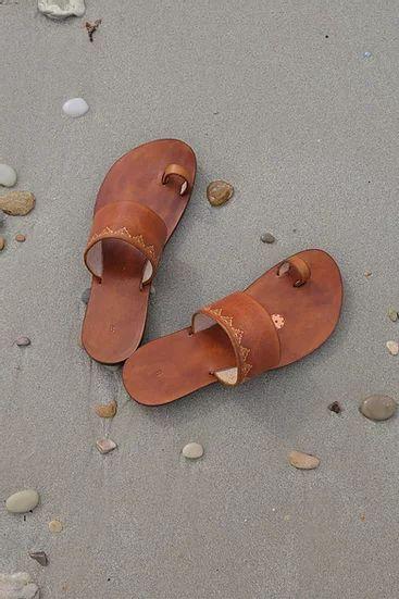 Indian Style Embossed Leather Sandal Slide 2