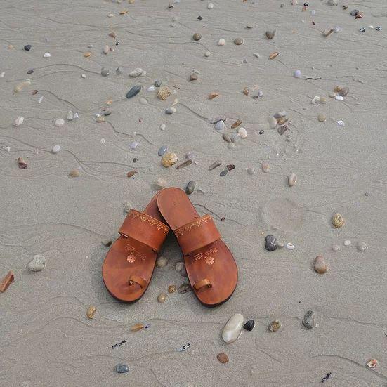 Indian Style Embossed Leather Sandal Slide 3